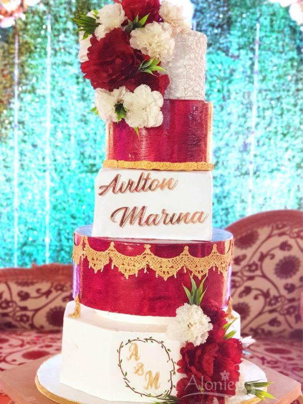 Alonies Handcrafted Cakes (17)