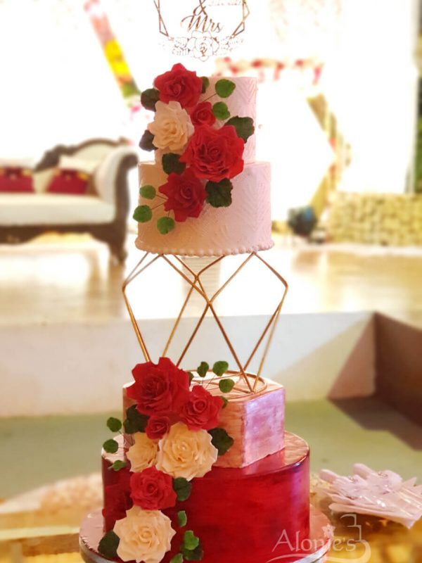 Alonies Handcrafted Cakes (7)