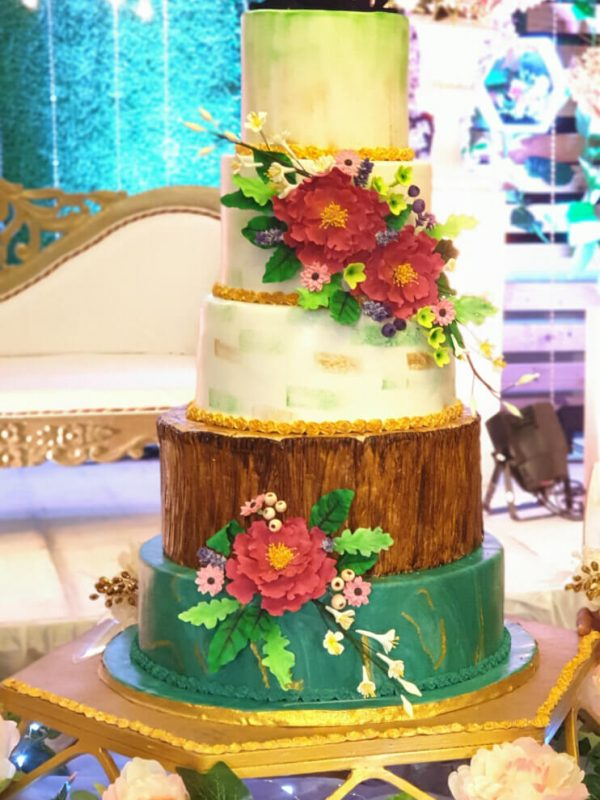 Alonies Handcrafted Cakes (9)