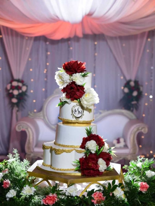 Alonies Handcrafted Cakes